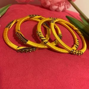 Jewelry - thread bangles
